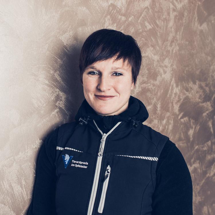 Sandra Foth von der Tierarztpraxis in Gelnhausen